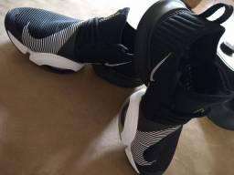 Tênis Nike superrep