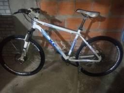 Bike de trilha nova boa