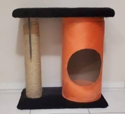 Cama de gato, toca e arranhador