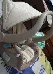 Bebê comforto com base