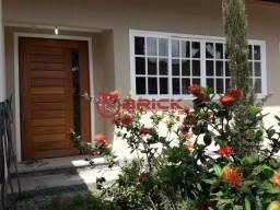 Linda casa com 3 quartos sendo 1 suíte em Guapimirim