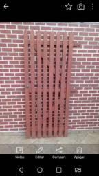 Vende se um portão social que mede 83cm de largura por 2mt de altura