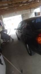 Clio sedan Authentique 1.0 16v - 2004