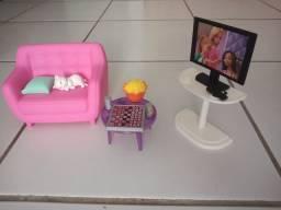 Barbie veterinária e conjunto sala da Barbie, ambos originais, com acessórios
