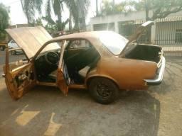 Chevette quatro portas ano 79 vendo ou troco por carro ou moto..