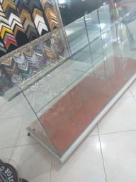 Balcão expositor em vidro comum incolor 6mm tampo em bizote