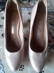 Sapato novo só experimentei