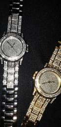 Relógio Cravejado com brilhantes