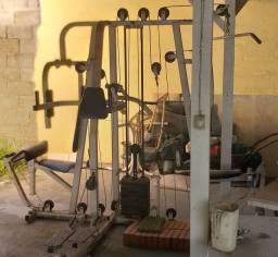 Estação de Musculação Grande
