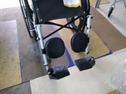 Cadeira de rodas nova 400