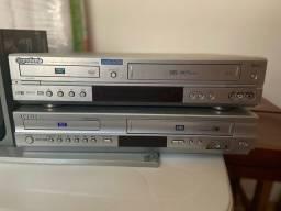 Dois aparelhos videocassete + DVD
