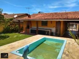 Vendo casa com 02 quartos, com terreno 360 m², piscina, churrasqueira