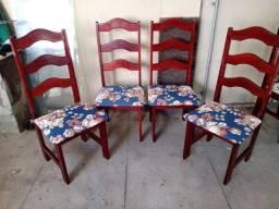 Conjunto de 4 cadeiras retirar no Méier