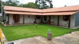 Casa em São Roque, próximo ao Vale dos Vinhos, com 3 quartos, sala, cozinha, banheiro