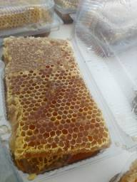 Favo de mel puro na embalagem por $30,00 reais