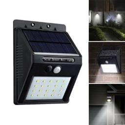 Luminária Solar com sensor de presença
