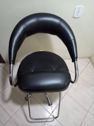 Poltrona cadeira hidráulica Futurama com encosto de cabeça removível