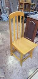 Cadeira de madeira tatajuba