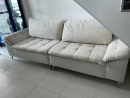 Sofá branco em veludo suede