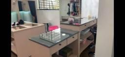 Estrutura para loja de roupa