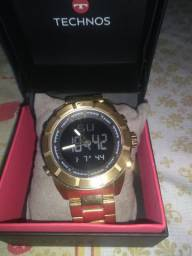 Vendo relógio semi novo