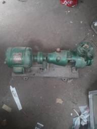 Motor e bomba da água predial