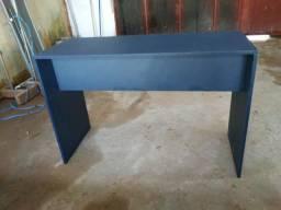 Mesa azul petróleo