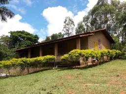 Linda Fazendinha 100.000m2 com muita água e ótima casa em Carmópolis/MG
