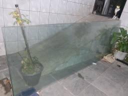 Vendo três folhas de vidro porta balcão