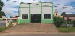 Vendo prédio localizado na avenida Brasil.