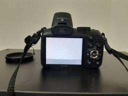 Câmera Semi Profissional Fuji Finepix S2800<br><br>