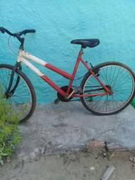 Vendo uma bicicleta pouco usada