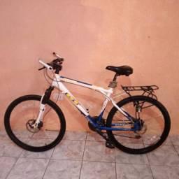 Bike de Alumínio GT Freio a Disco