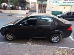 16.000 00 Fiesta sedan 1.0 completo 07/08