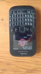 Celular Alcatel com câmera digital
