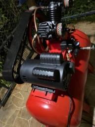Vende-se compressor 175 litros, com motor de 5 vc TRIFÁSICO, R$ 3.300,00.