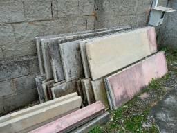 Placas de muro usadas em Ascenção