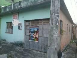 //Casa na Vila da Prata - próxima ao campo de futebol