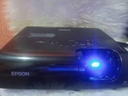 Data show Epson (Projetor 2000 Lumen Multimida Epson Modelo Emp S5- Lcd Projector)