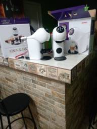 Cafeteira Dolce Gusto Arno.