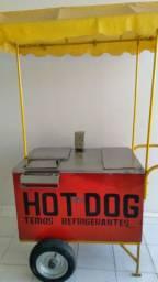 Carrinho de cachorro quente e lanches