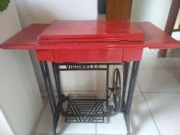 Máquina de costura manual antiga, correia nova e funcionando perfeitamente!
