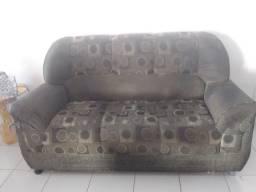 Vendo dois sofás por motivo de viagem