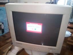 Monitor tubo/crt Samsung SyncMaster 551v 15 polegadas na caixa