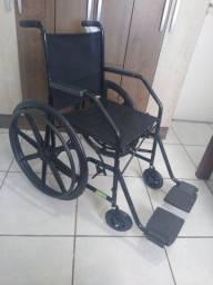 Cadeira de rodas maciça