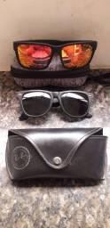 Dois óculos originais
