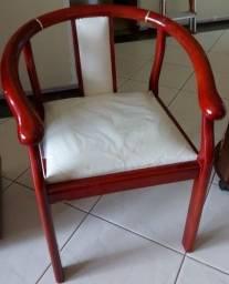cadeira de Madeira com acento estofado *Conservadíssima<br>