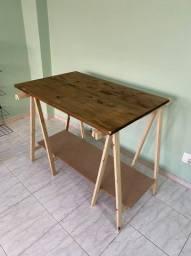 Vendo cavalete com tampo de madeira