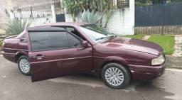 Carro Santana 2.0 gasolina e gás.s e MUITO BARATO.