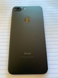 Vendo Iphone 7 Plus - 32Gb - sem nenhum arranhão